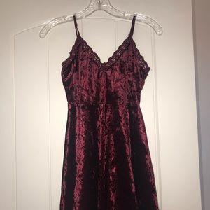 Dresses & Skirts - Maroon crushed velvet dress